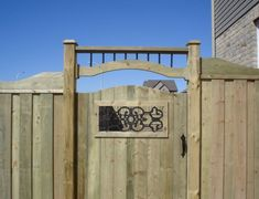 8 Amazing Tricks Can Change Your Life: Backyard Fence Privacy farm fence farmhouse.Cheap Fence How To Build. Wooden Fence Gate, Wood Fence Post, Fence Gate Design, Fence Doors, Farm Fence, Bamboo Fence, Metal Fence, Fence Gates, Metal Pergola