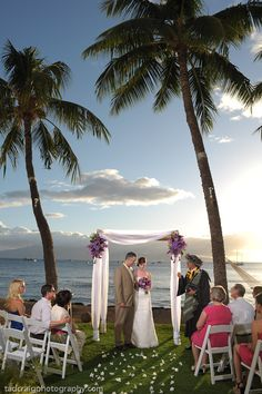 8 Lahaina Ocean Estate, maui wedding photography, maui wedding photographer,best maui wedding photography, dellables flowers