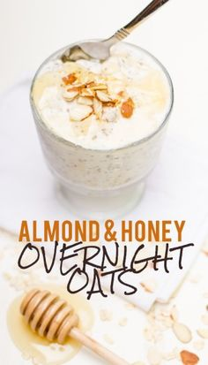 Toasted Almond & Honey Overnight Oats ¼ cup sliced almonds ½ cup rolled oats ⅓ cup plain Greek yogurt ⅔ cup Almond Breeze Hint of Honey Vanilla Almondmilk 1 tablespoon chia seeds Pinch of salt Honey, fruit, and more almonds for topping Healthy Breakfast Recipes, Healthy Snacks, Healthy Recipes, Breakfast Smoothies, Healthy Breakfasts, Breakfast Bowls, Eating Healthy, Yogurt Smoothies, Breakfast Sandwiches