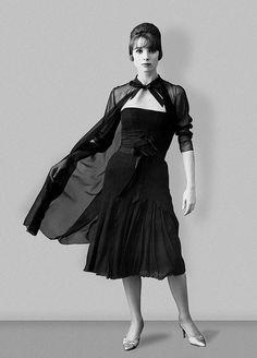 1960 chiffon cocktail dress by Chanel 1960s Dresses, Vintage Dresses, Vintage Glamour, Vintage Chanel, Sheer Dress, Chiffon Dress, Coco Chanel Fashion, French Fashion Designers, Vintage Fashion Photography