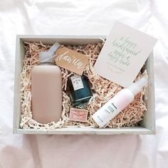 "16 Really Pretty ""Will You Be My Bridesmaid"" Gift Sets You Have to See! -Beau-coup Blog"