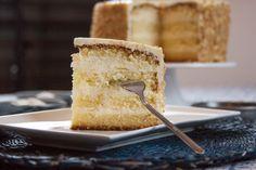 Eine herrlich zitronige Lemon Layer Cake Lemon Layer Cakes, Layers, Cheese, Food, Layering, Meals