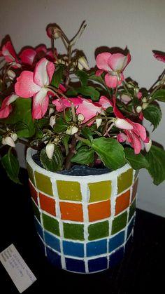 Mosaic Pots, Flower Pots, Flowers, Mosaic Ideas, Mosaics, Bowls, Planter Pots, Recycling, Workshop