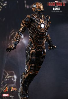 Hot Toys : Iron Man 3 - Bones (Mark XLI) 1/6th scale Collectible Figure