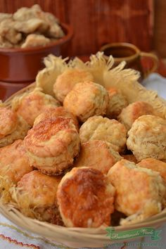 Pogaci cu jumari My Recipes, Recipies, Romanian Food, Puddings, Salsa, Biscuits, Good Food, Pizza, Party