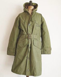 U.S. NAVY COAT, PARKA, WINTER N-1. FOR WATERPROOF COLD PROTECTION USN NAVY CONTRACT NXsx78893