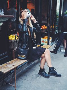 Doc Martens have been in style for almost 60 years, discover what made them so popular. We also discuss how to wear them in style! Dr. Martens, Red Doc Martens, Dr Martens Outfit, Dr Martens Boots, Rock Chic, Look Fashion, Fashion Outfits, Womens Fashion, Grunge Outfits