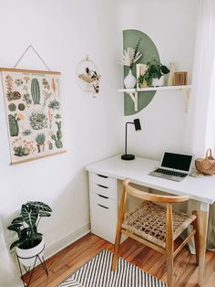 Turn your workspace into a dream office. Check out these 30 stylish home office ideas that will inspire you to design a work-friendly space in your own home, whether you've got an entire room or just a tiny corner. Study Room Decor, Room Ideas Bedroom, Bedroom Decor, Decor Room, Office In Bedroom Ideas, Office Ideas, Bedroom Ideas For Small Rooms, Cozy Small Bedrooms, Nice Rooms