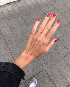 Nails, must see pin design. Study this useful nail art 2804314531 right now. Diy Nagellack, Nagellack Trends, Minimalist Nails, Mani Pedi, Manicure And Pedicure, Manicure Ideas, Cute Nails, Pretty Nails, Hair And Nails