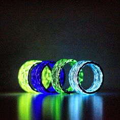 Tyler Wright is raising funds for Aurora Glowing Carbon Fiber Rings Inspired by the Matrix on Kickstarter! Aurora Carbon Fiber Rings are carbon rings with glow. You get carbon fiber weave by day, and glowing rain stripes by night.