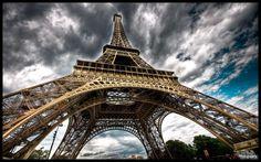 Eiffel Tower Paris HD Desktop Wallpaper