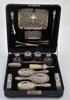 Silvery vanity and dressing set, 1901.