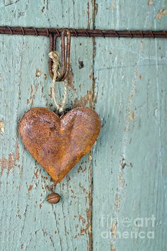 Old Rusty Heart...  It might be rusty but that don't mean it has forgotten how to beat....perhaps Love <3 ~ Really sweet piece ~ <3