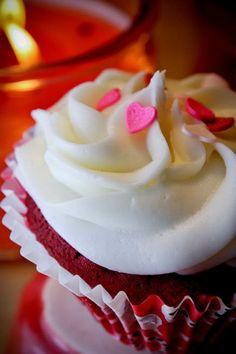 Valentine's Day Red Velvet Cupcakes ♥