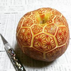 Art Apple Carving Gaku Apple and Knife 2017