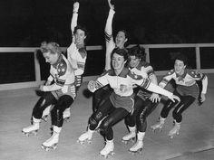 Roller derby girls, 1950s