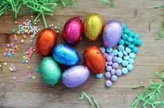 Cómo hacer Huevos de chocolate de Pascua - Huevo de pascua receta - Decoración de huevos de pascua - Conejo de Pascua - Recetas de Navidad - Dulces fáciles
