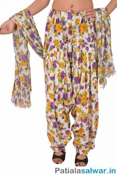 Buy mix and match Printed Patiala Pants with Dupatta for Women in India, USA, UK, Maliyasa and more at great prices with perfect fitting and fine stitching. Patiala Pants, Patiala Dress, Patiala Salwar, Salwar Suits, Indian Blouse, Indian Wear, India Usa, Indian Beauty Saree, Jaipur