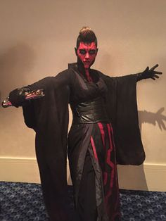 See some of the galaxy's greatest costumers from the Star Wars Costume Contest at Dragon con from (adorable) biker scouts to explosive Sabines. Star Wars Costumes, Group Halloween Costumes, Halloween Cosplay, Cosplay Costumes, Halloween Ideas, Star Wars Sith, Star Wars Rpg, Star Wars Fan Art, Star Trek
