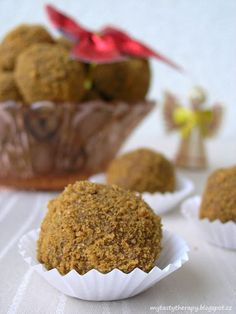 no bake Biscoff balls Christmas Sweets, Christmas Baking, Cake Pops Recept, Lotus Cake, Slovak Recipes, Sweet Recipes, Deserts, Food And Drink, Cooking Recipes