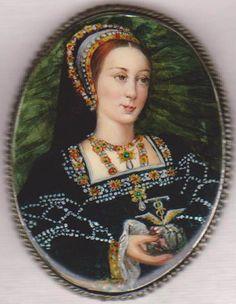 """Princess Margaret Tudor"" Russian Hand Painted Fedoskino MOP Brooch | eBay"