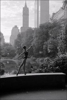 NYC. The beauty of a ballerina in Central Park.