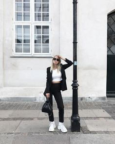 Black Suits, Androgynous, Victoria, Simple Style, Normcore, Street Style, Chic, Outfits, Inspiration