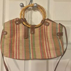 Relic summer handbag Isn't this just the cutest purse? It reminds me of summer and puts a smile on my face. I'd keep it but I have too many purses already. It's time someone else love this purse as much as I did! Relic Bags Shoulder Bags