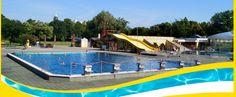 Das zentrumsnahe und direkt am Großen Garten gelegene Georg-Arnhold-Bad mit seiner großen Außenanlage bietet auch in der Freibadsaison für jeden etwas und gehört sicherlich mit zu den schönsten Bademöglichkeiten der Stadt Dresden. Die 86 m Röhrenrutsche, der Whirl-Pool, das solarbeheizte Schwimmbecken mit sechs Schwimmbahnen und das Vierjahreszeiten-Becken mit Strömungskanal sind nur einige der zahlreichen Attraktionen.  Ausstattung: Erlebnisbecken mit 18 m Breitrutsche Kleinrutsche…