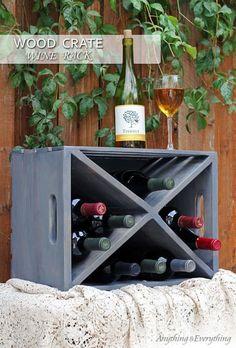 8 Creative Ideas for Making your Own DIY Wine Rack | Decor Snob Wood Crate Diy, Wood Crates, Wooden Pallets, Cool Diy, Easy Diy, Ideas Para Decorar Jardines, Wood Projects, Woodworking Projects, Wine Rack Design