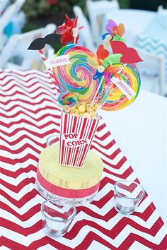 Lots of DIY wedding carnival decorations. Tons of ideas for creating a magical wedding carnival all on a budget! Carnival Themed Party, Carnival Birthday Parties, Circus Birthday, Circus Theme, 2nd Birthday, Circus Baby, Birthday Celebrations, Birthday Ideas, Carnival Wedding