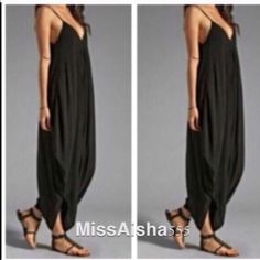 💥💥💥Stunning jumpsuit  ONE HOUR SALE My best selling best fitting jumpsuit this is a loose fit style the small fits up to a 4/6 the M fits a 8/10 the L fits a 14 also have XL that fits up to a 16 PLEASE Poshmark new option you can purchase and it will give you the option to pick the size you want ( all sizes are available) BUNDLE And SAVE 10% Dresses