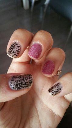Uñas leopardo otro color