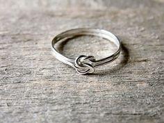 Doble nudo de amor anillo plata por AutumnEquinox en Etsy