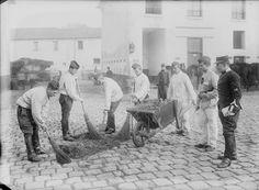 Mobilisation 1914 corvée de nettoyage de la caserne