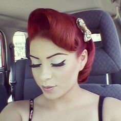 Pinup hair. LOVE! @Laura Tromben