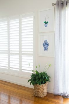 Looking for hamptons style interiors styling? Check out Hamptons Style today for inspiration. Decor, Hamptons Style Living Room, White Decor, Interior Styling, Interior Design Styles, Blue White Decor, Hamptons Designs, Interior Design, Interior Decorating Styles