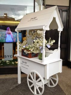 BeautySwot: Daisy Marc Jacobs Pop Up Tweet Shop London
