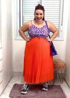 Como usar saia plissada plus size | Dicas e truques - JUROMANO.COM Fat Fashion, Looks Plus Size, Moda Plus Size, Ideias Fashion, Breast, Vintage, Beautiful, Big, Style