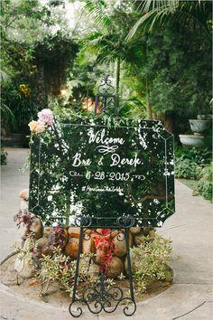 #mirror #weddingsign #welcomesign #glamwedding #gardenwedding @weddingchicks