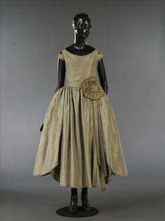 La primera exposición dedicada a Jeanne Lanvin | itfashion.com