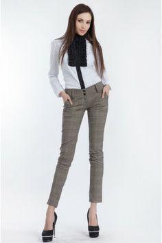 Camasa Lissa Alba- www. Book Photography, Fashion Photography, Foto Fashion, Fashion Books, Pants, Collection, Trouser Pants, Trousers, Women Pants