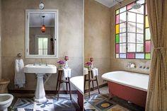 Oda al mosaico: 6 versiones de este clásico que nos encanta  Estos singulares azulejos calcáreos aparecieron debajo del piso en medio de la reforma de la casa.  /Archivo LIVING