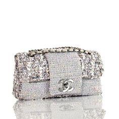 Chanel clutch (=)