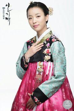 Korean Hanbok Han Hye Joo