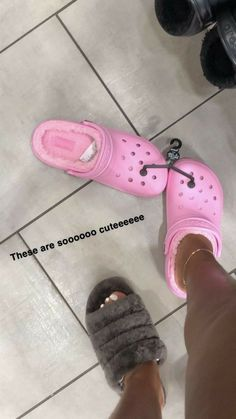Cute Sandals, Shoes Sandals, Shoes Sneakers, Sneakers Fashion, Fashion Shoes, Women's Fashion, Cute Slippers, Hype Shoes, Fresh Shoes