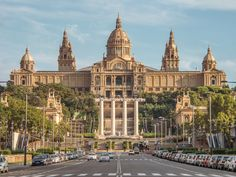 Barcelona by bike is the perfect way to see a lot of the Catalan city in a short period of time. This guided bike tour is a refreshing ride up to Montjuic, offering spectacular views and historic monuments. Discover the magic of the Spanish hills on this fun-filled ride.