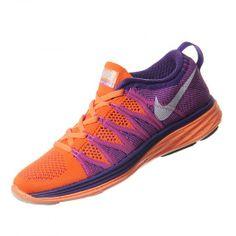 Llega el calzado Nike Flyknit Lunar 2 para mujer inspirado en las opiniones de corredores que buscan unas zapatillas de muy poco peso con un ajuste como una segunda piel.
