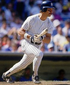 Don Mattingly (Donnie Ballgame, The Hit-Man), making it look easy