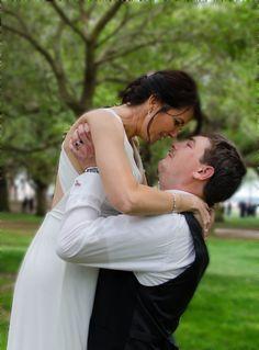 Battery Park Charleston, SC bride and groom wedding photo